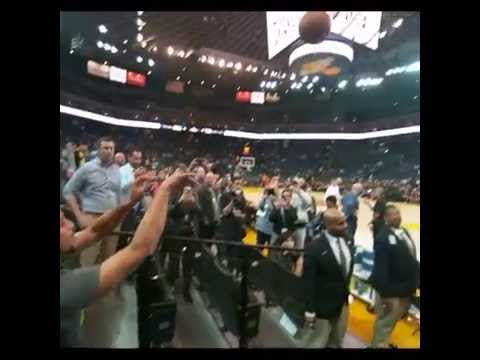 Steph Curry hits sideline 3-pointer with ease during warm-ups