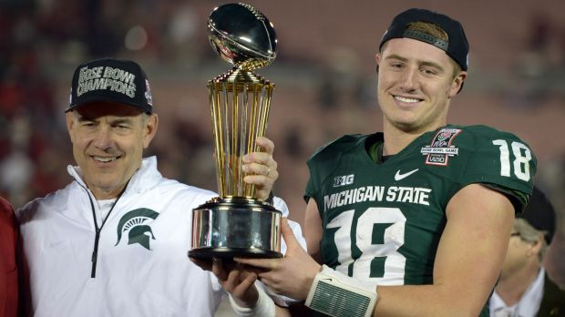 Connor Cook rips MVP trophy from Archie Griffin & apologizes for it once he realized