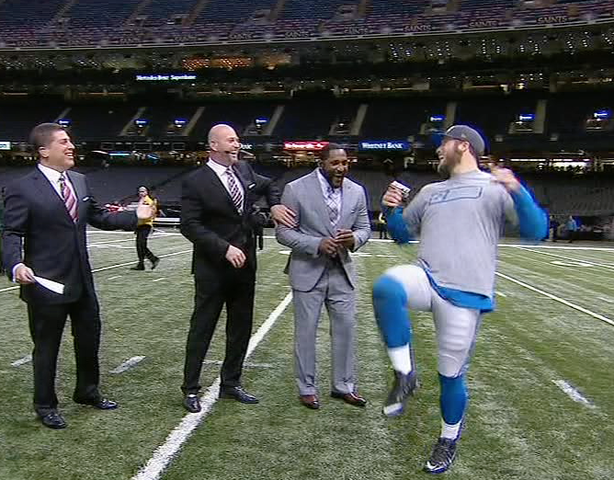 Matthew Stafford does the Ray Lewis dance for MNF