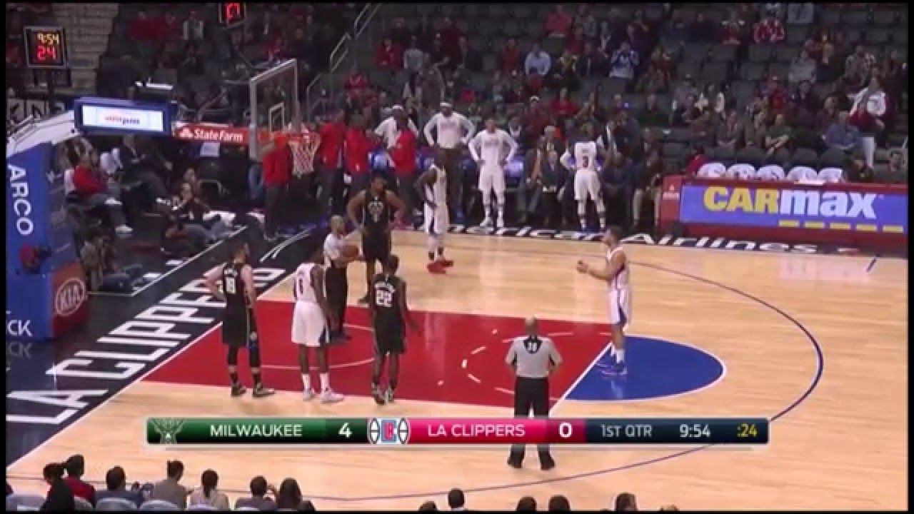 Blake Griffin hits a free throw when the lights go out