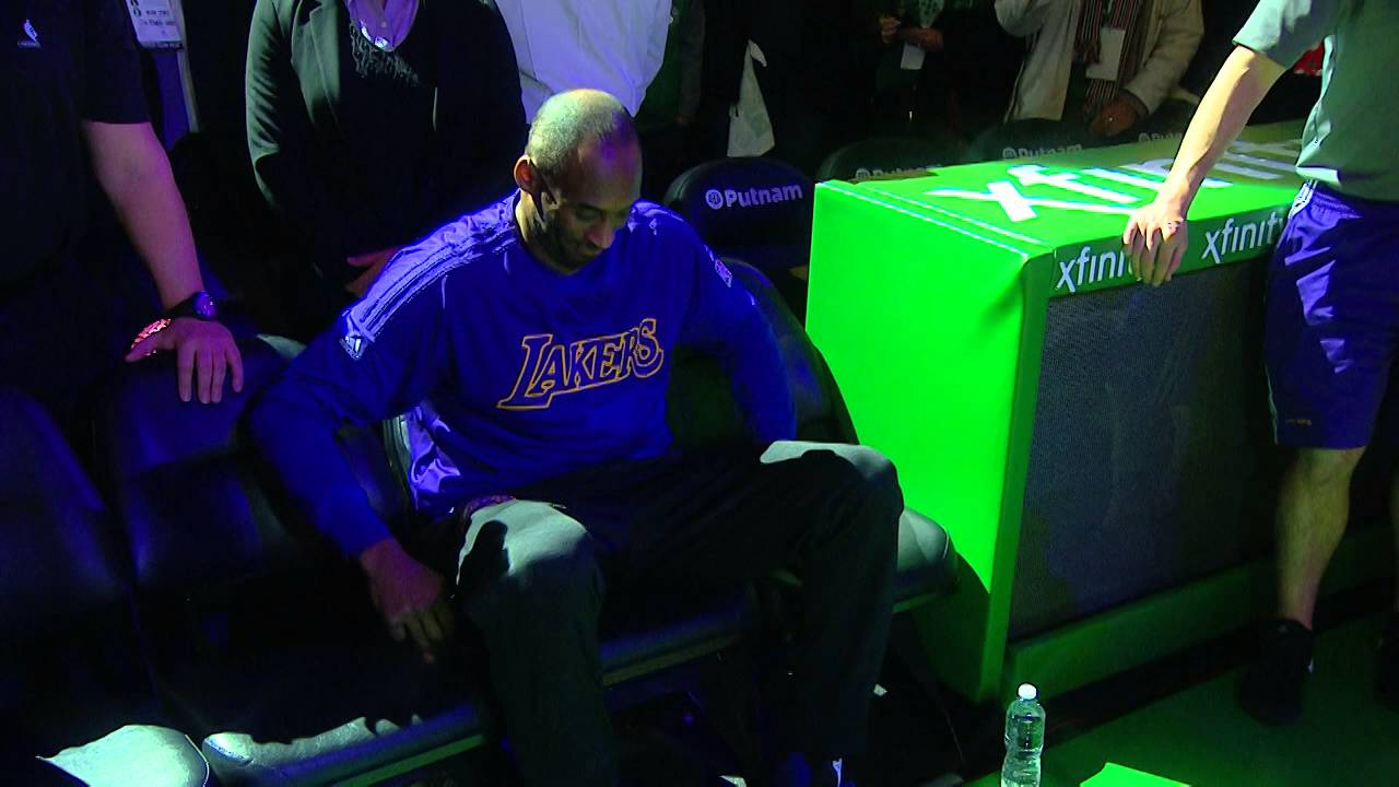 Kobe Bryant introduced in Boston for the last time