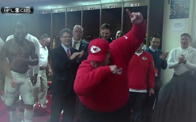 Andy Reid hits the dab in the Chiefs locker room