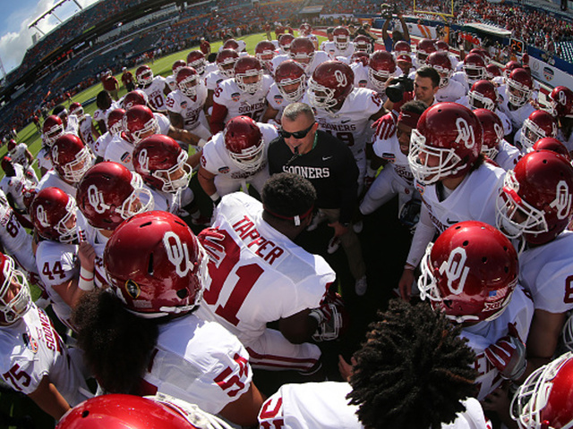 Oklahoma Sooners break out the moves before the Orange Bowl