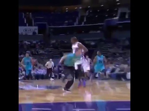 Charlotte Hornets mop boy almost involved in the action