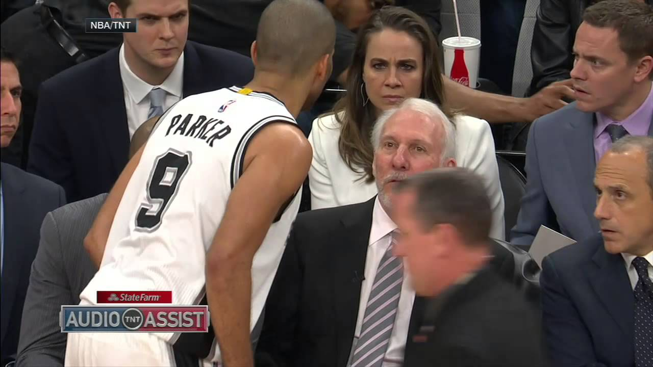 Gregg Popovich stops Parker to tell him: 'You're doing great'