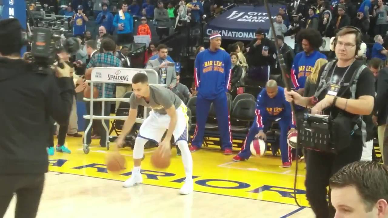 Harlem Globetrotter imitates Steph Curry's pre-game routine
