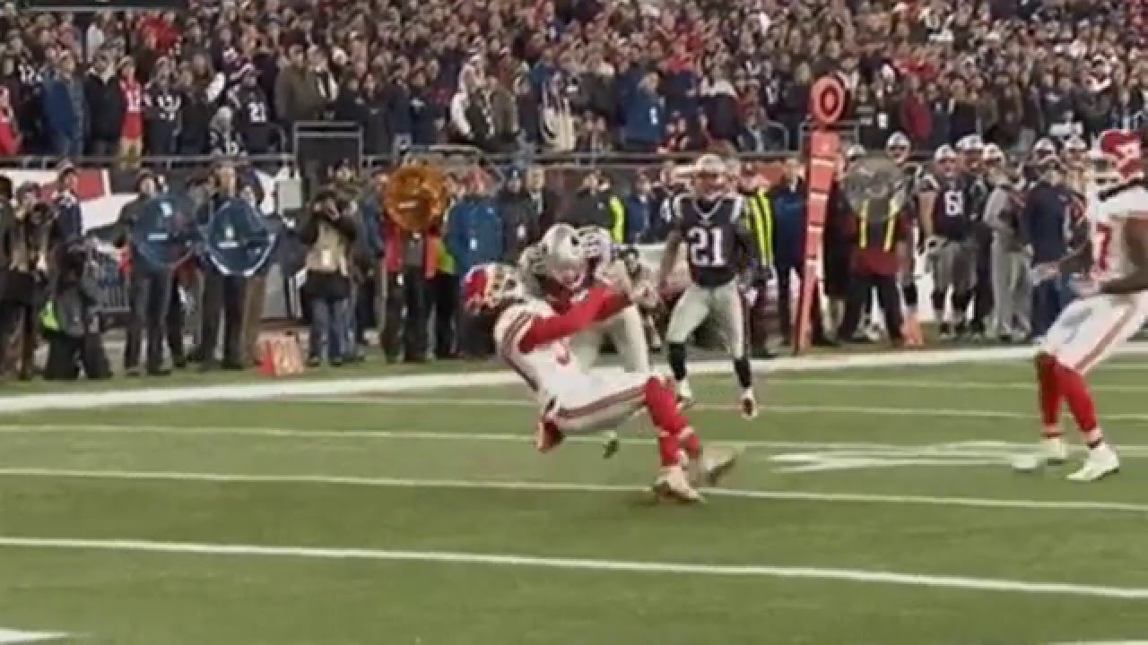 Patriots' Danny Amendola with a viscious head first hit on Chiefs' Jamell Fleming