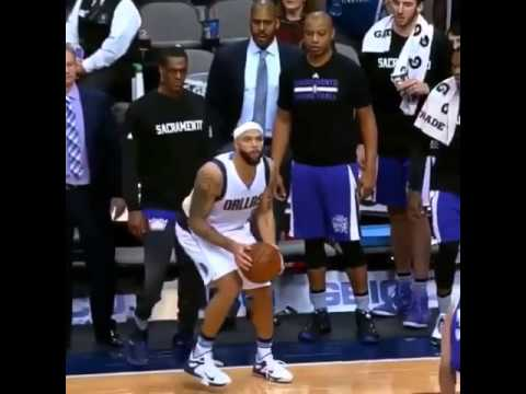 Rajon Rondo tried to trip Deron Williams