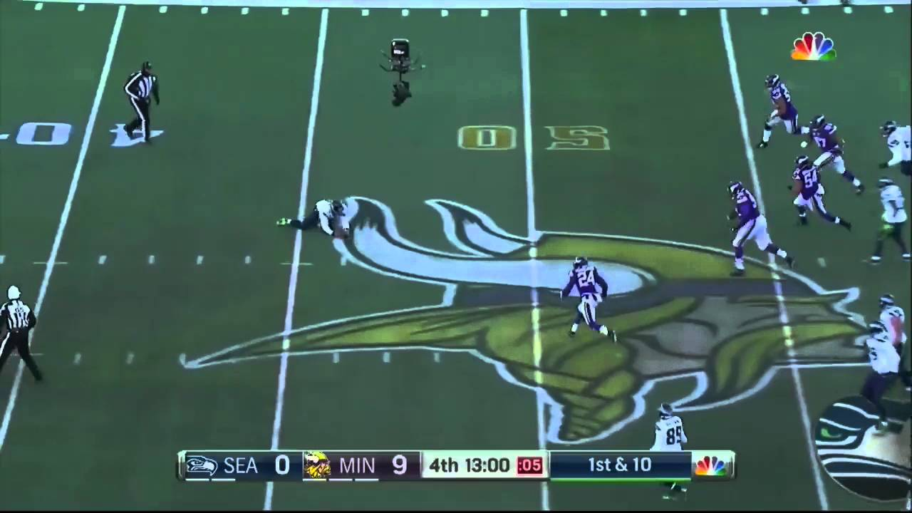 Russell Wilson incredible broken play pass
