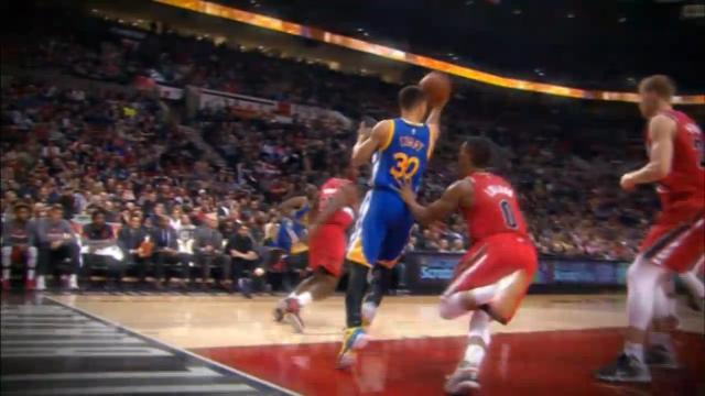 Curry Being Curry: Steph Curry no look alley-oop to Andrew Bogut