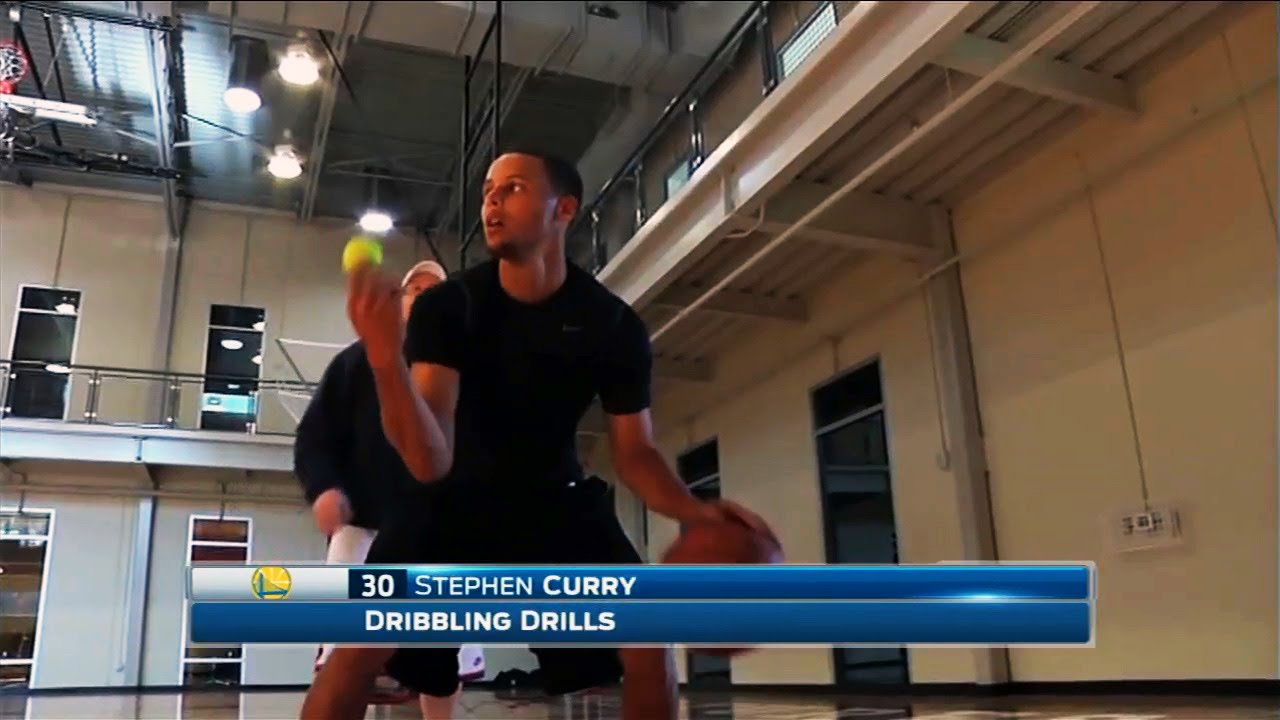 Stephen Curry shows off dribbling drill with multiple tennis balls