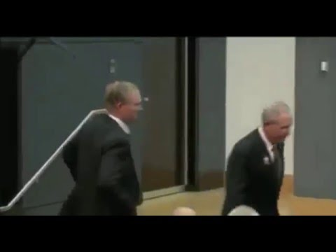Tom Coughlin blows past Gaints owner John Mara after press conference
