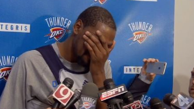 Kevin Durant breaks down in tears over Monty Williams' wife passing