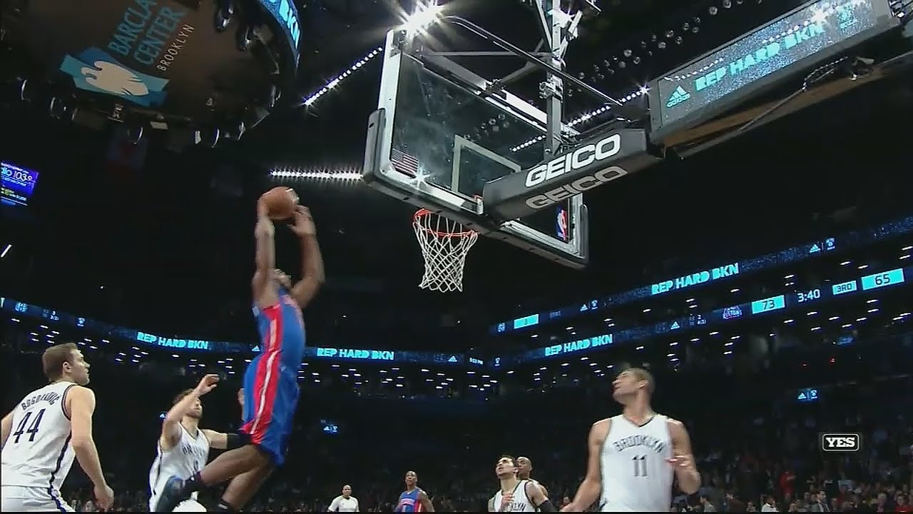 Andre Drummond with the off the back board slam from Brandon Jennings