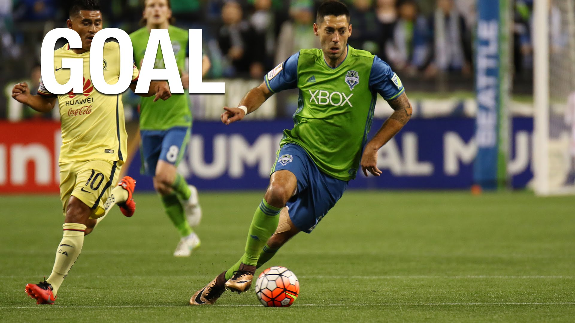 Clint Dempsey with a beautiful curving free kick goal