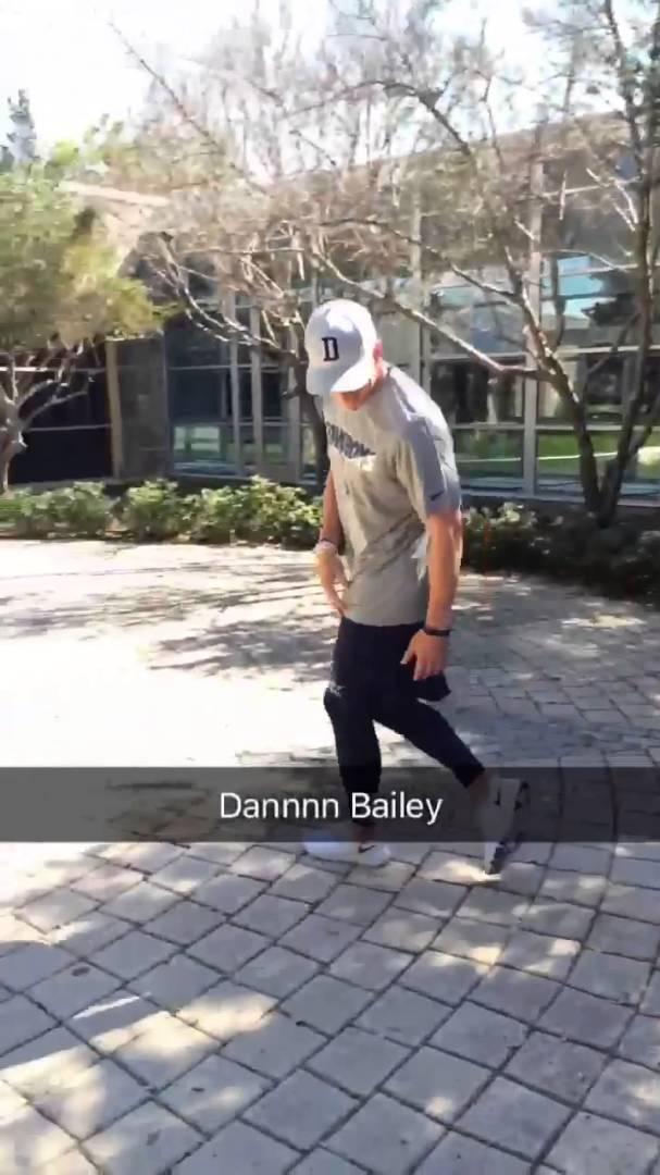 Dallas Cowboys reenact viral