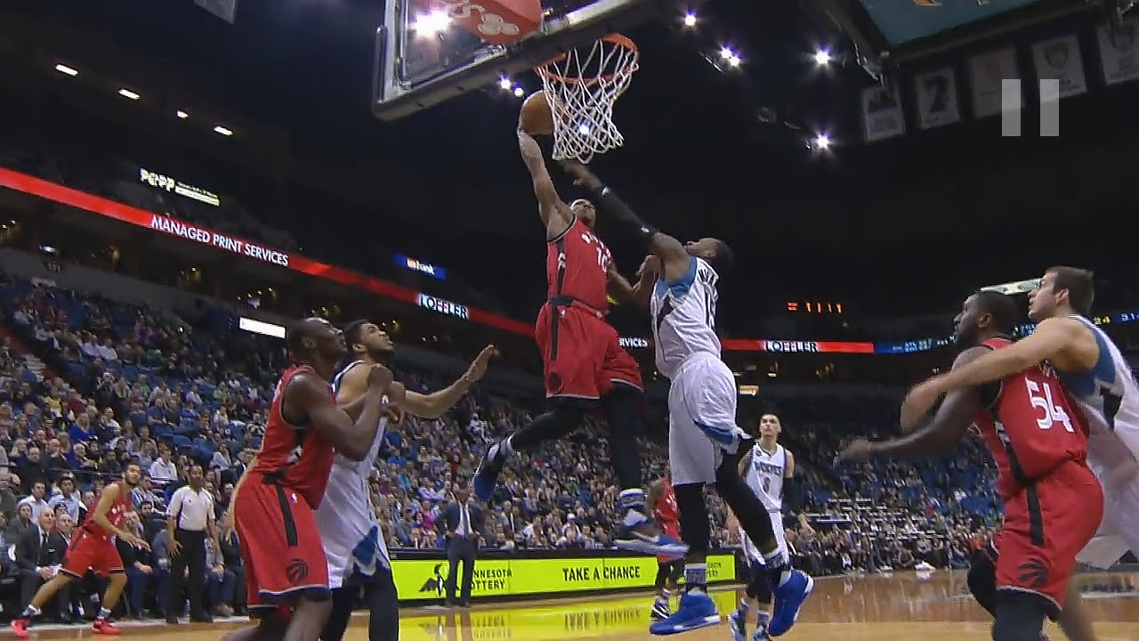 DeMar DeRozan with the massive slam on the Timberwolves