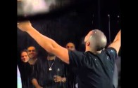 """Drake does the LeBron James """"Chalk Throw"""" for Ping Pong match"""