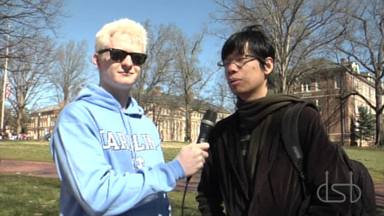 Duke fan tricks North Carolina students on liking Duke basketball