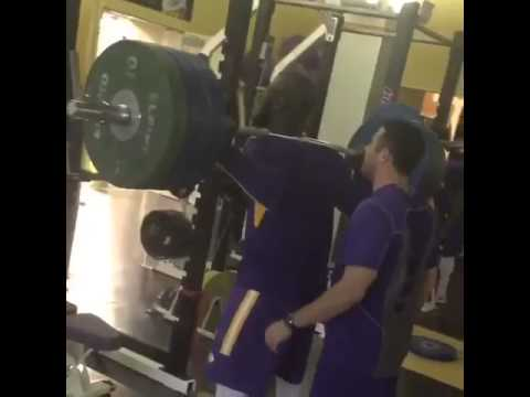 LSU RB Leonard Fournette squats 405 LB's with ease