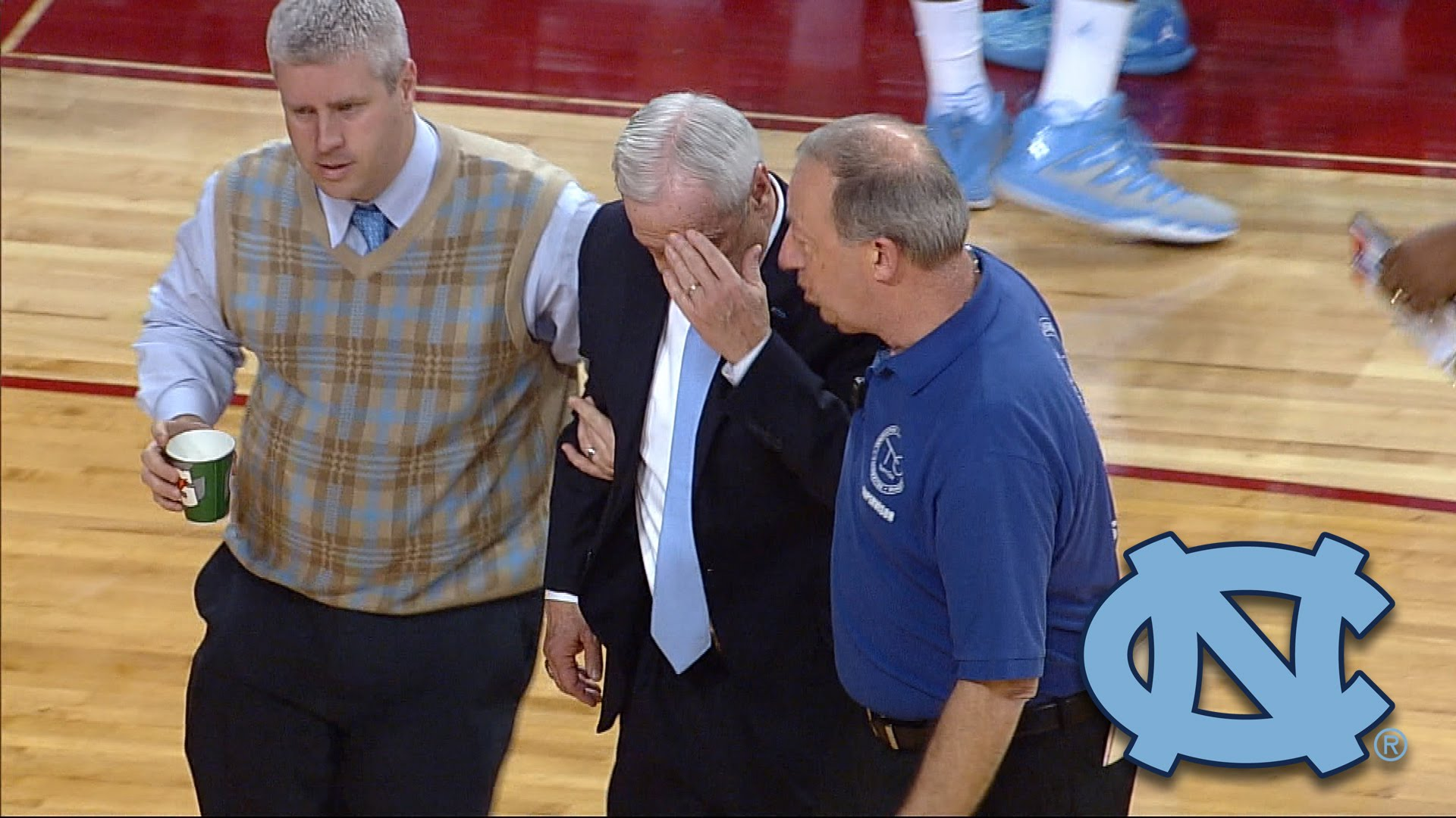 North Carolina head coach Roy Williams collapses during timeout