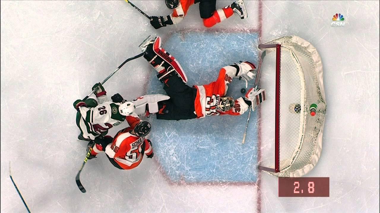 Philadelphia Flyers goalie makes unbelieveable save