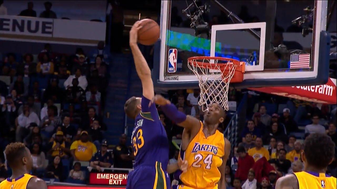 Ryan Anderson throws down the slam on Kobe Bryant