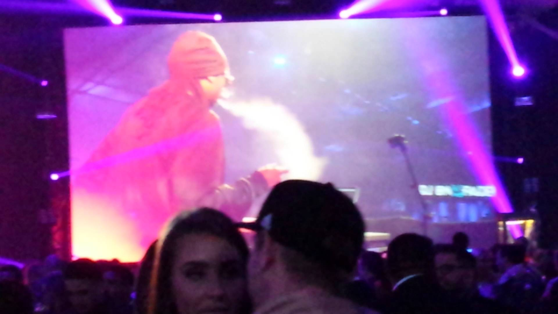 Snoop Dogg bumping Al Green at All Star Weekend 2016
