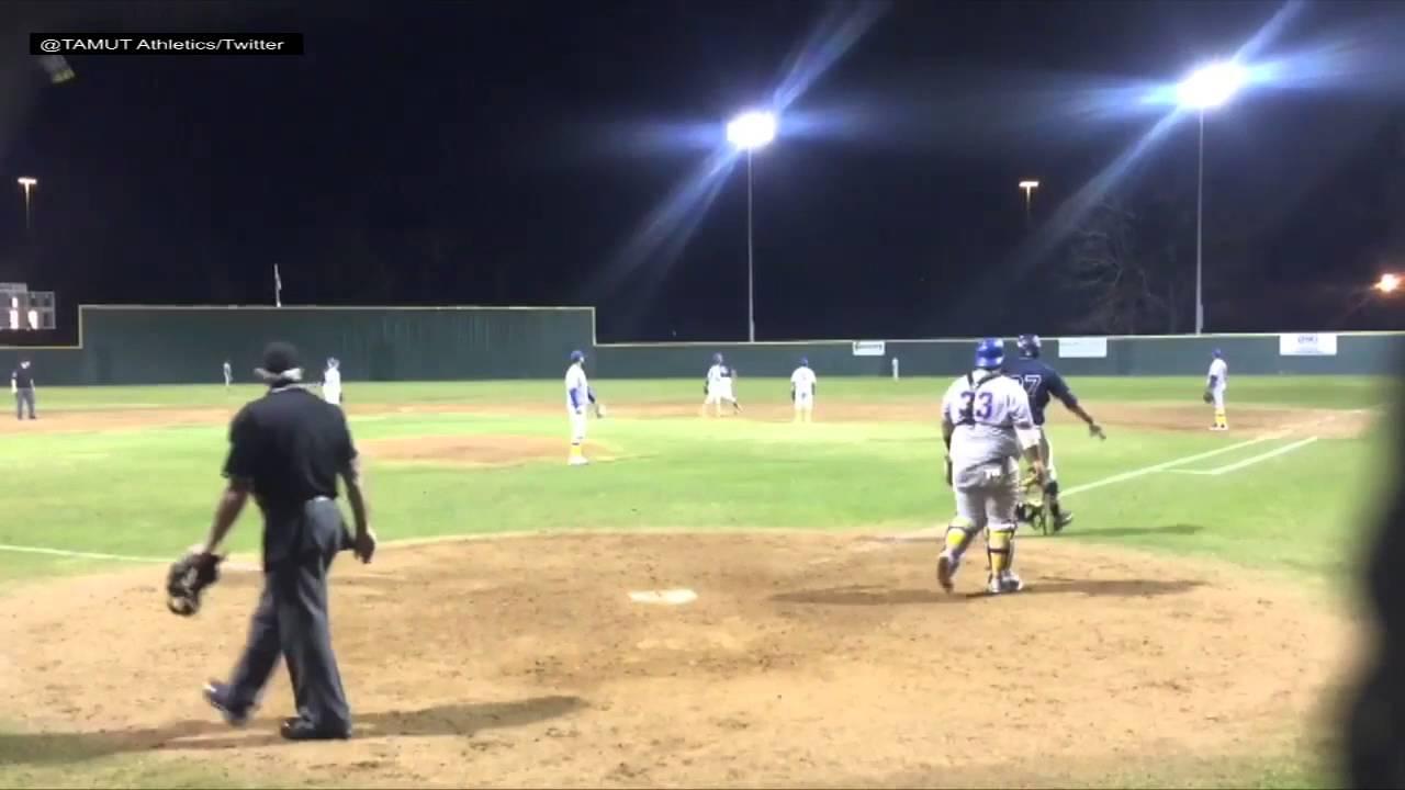 Texas A&M at Texarkana baseball player with epic grand slam bat flip