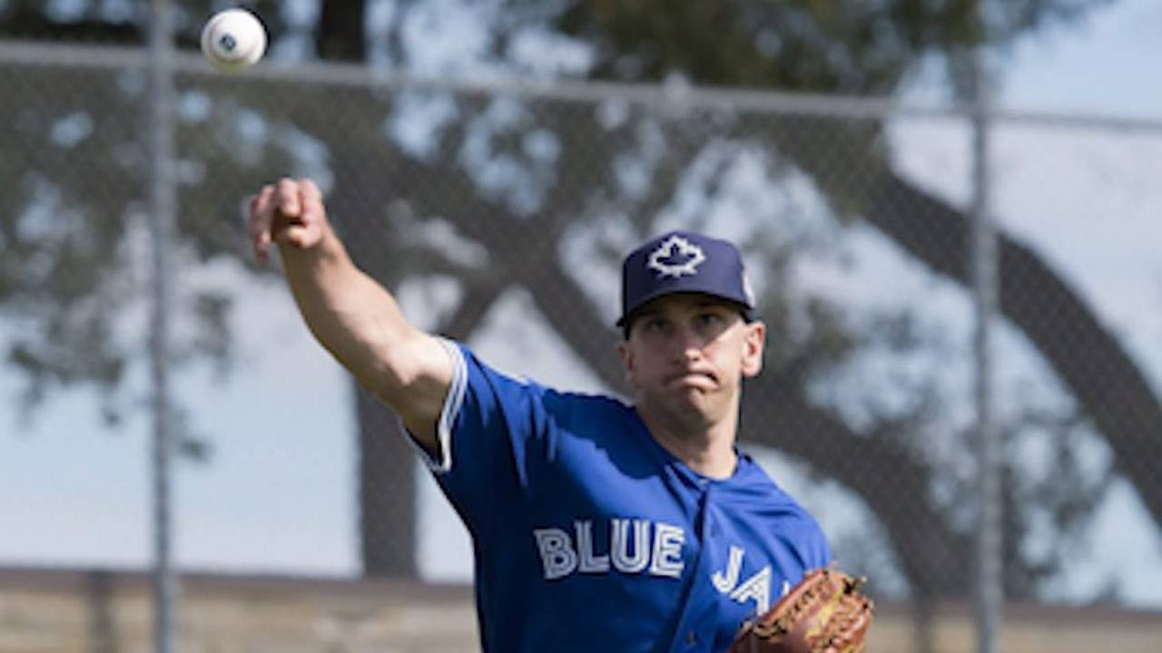 Blue Jays pitcher Pat Venditte explains how he became a switch pitcher