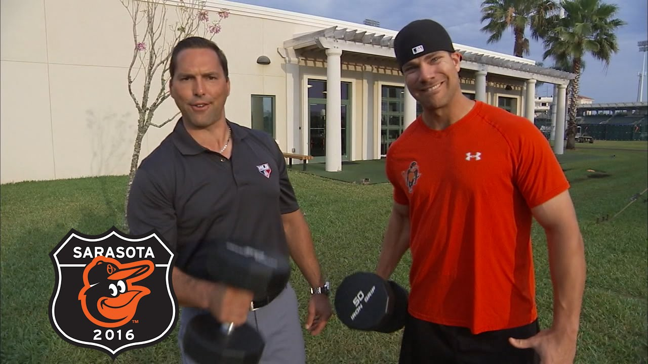 Chris Davis talks about his decision to stay with the Orioles
