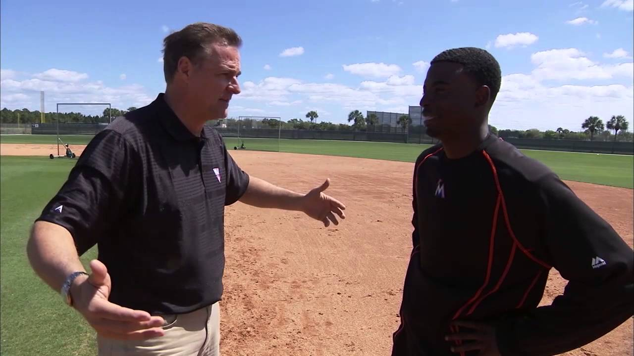 Dee Gordon breaks down how to steal bases