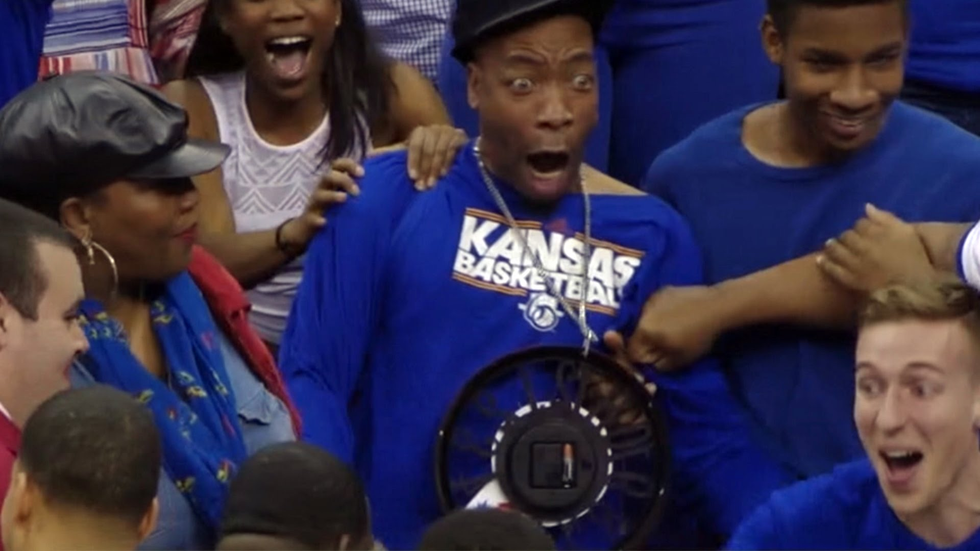 Kansas' Wayne Selden's dunk causes hilarious reaction by his uncle
