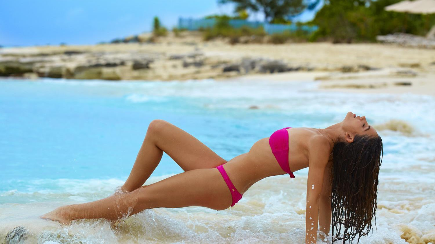 Lily Aldridge's sexy outtakes for SI Swimsuit 2016