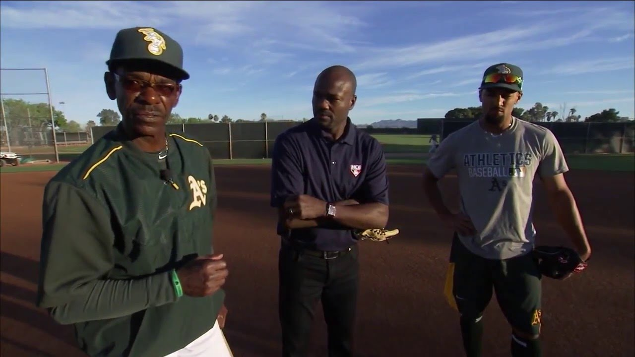 Ron Washington coaches up Marcus Semien with infield drills