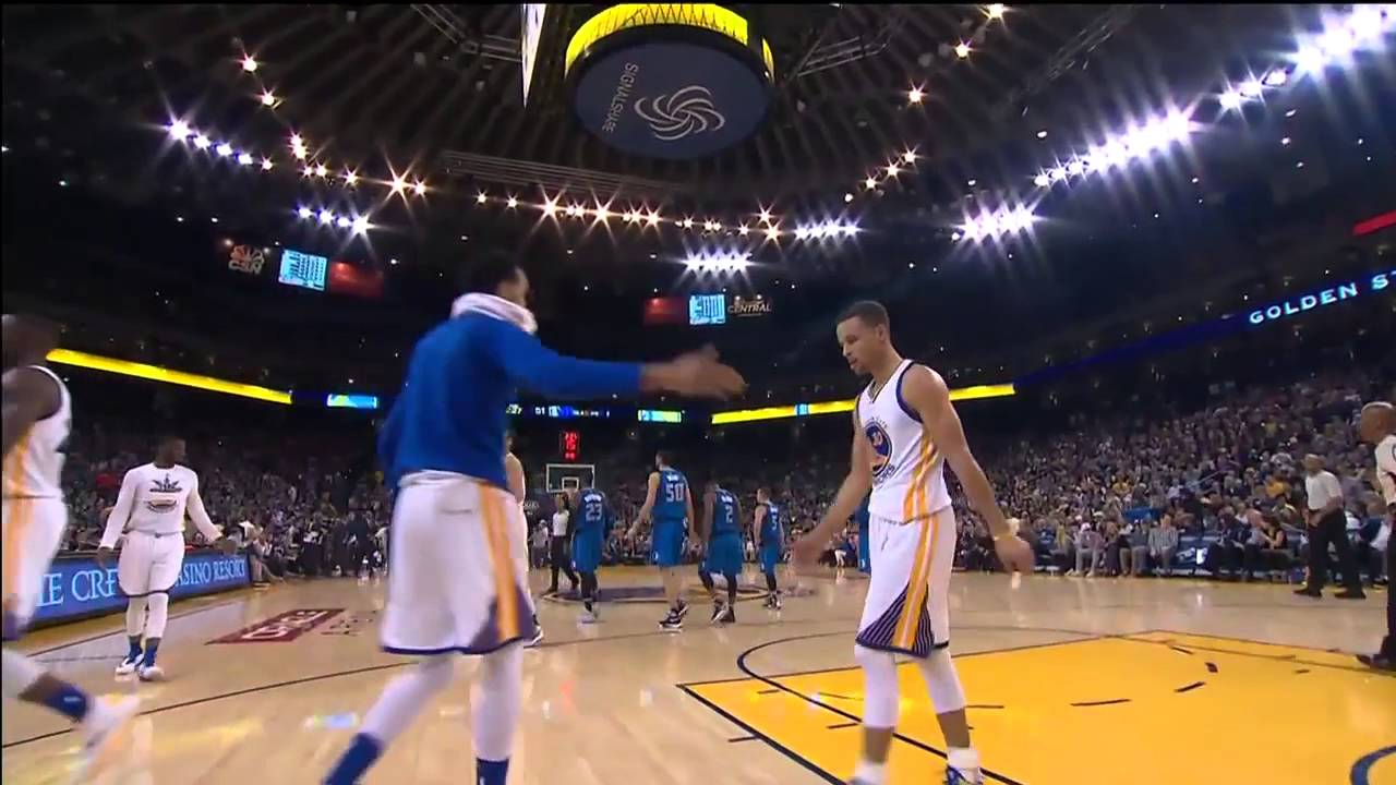 Stephen Curry & Klay Thompson have a 'Shaqtin A Fool' moment