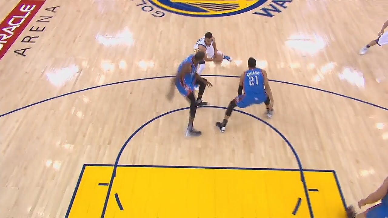 Stephen Curry shakes up Kevin Durant