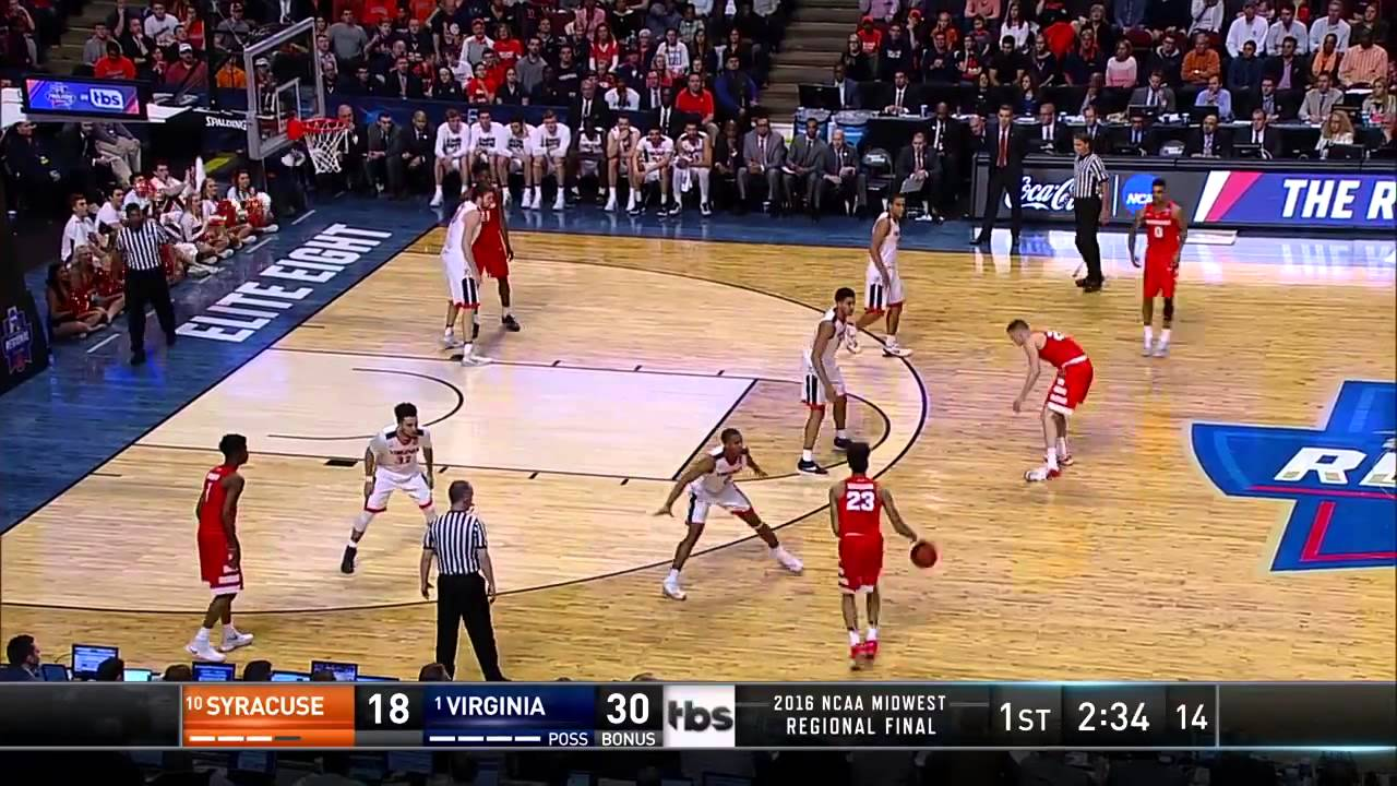 Syracuse's Tyler Lydon hits 3-pointer after losing his shoe