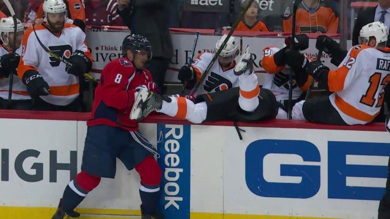 Alex Ovechkin drills Flyers' Schenn into the bench