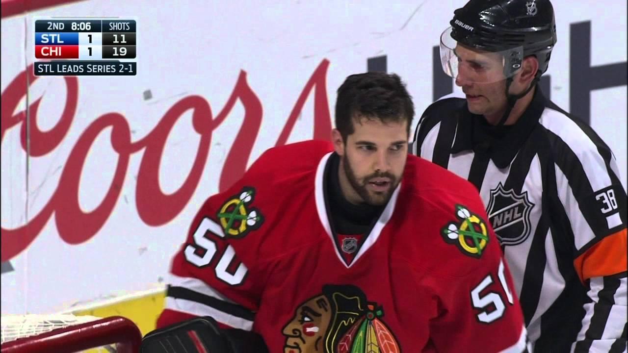 Blackhawks goalie Corey Crawford goes berserk & gets into fight