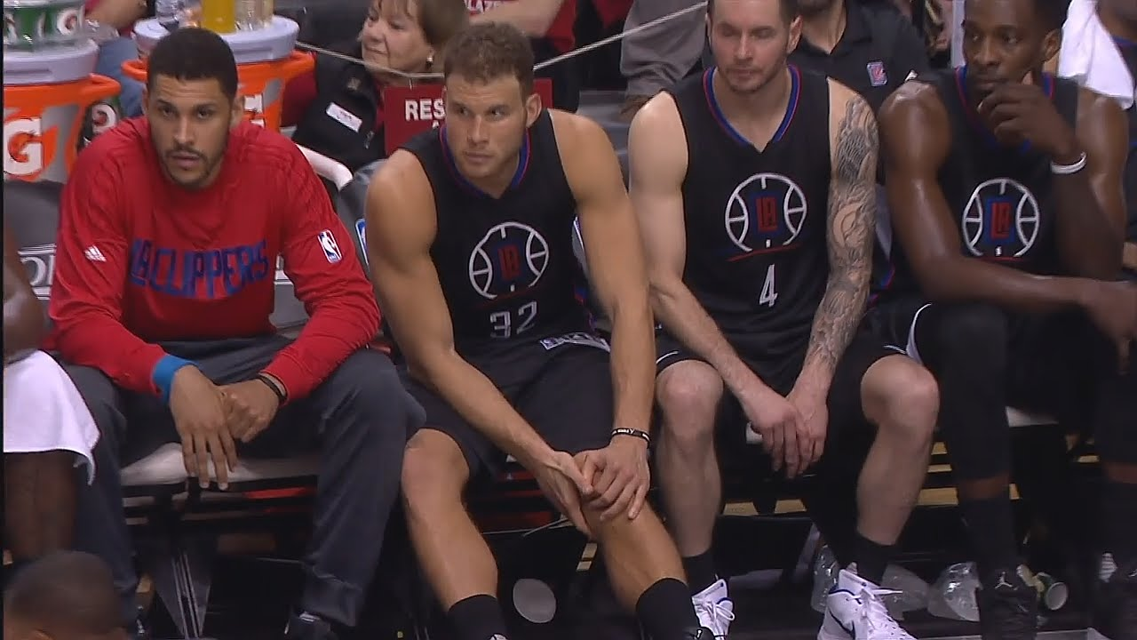 Blake Griffin leaves Game 4 with a hamstring injury