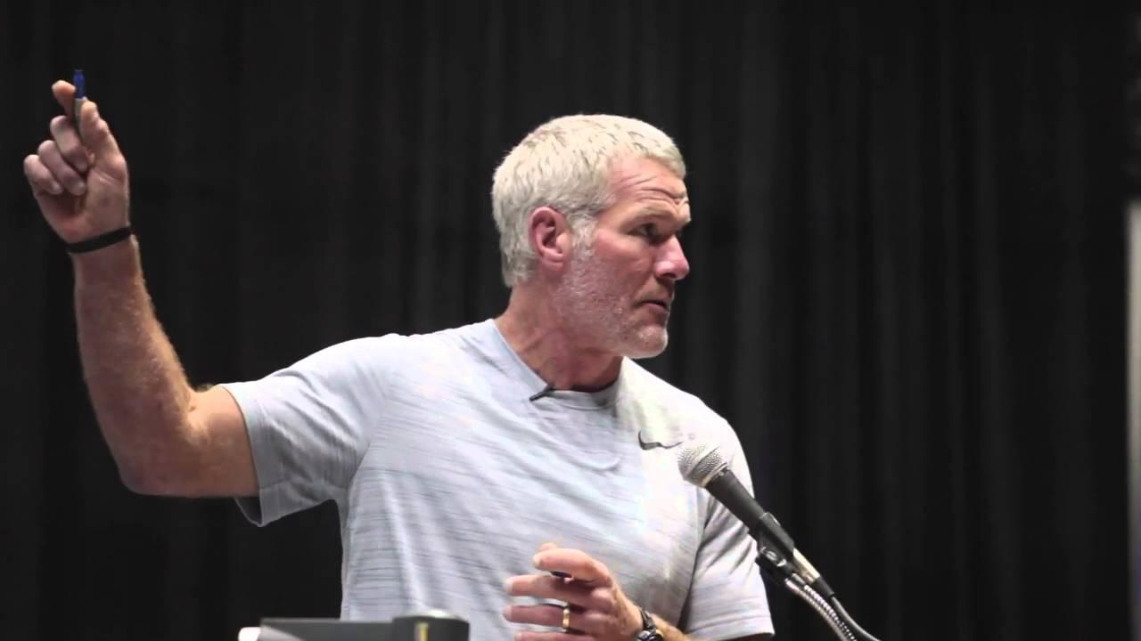 Brett Favre explains how he didn't know 'Nickel' & 'Dime' defenses