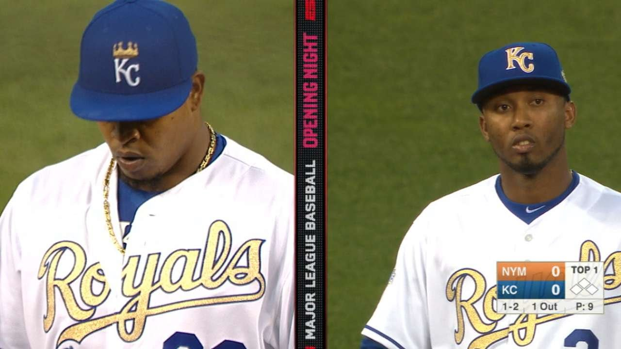 Edinson Volquez wears wrong Royals hat during 1st inning