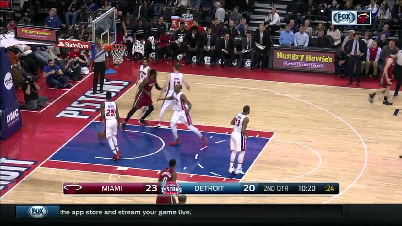 Goran Dragic loses his tooth but no foul gets called