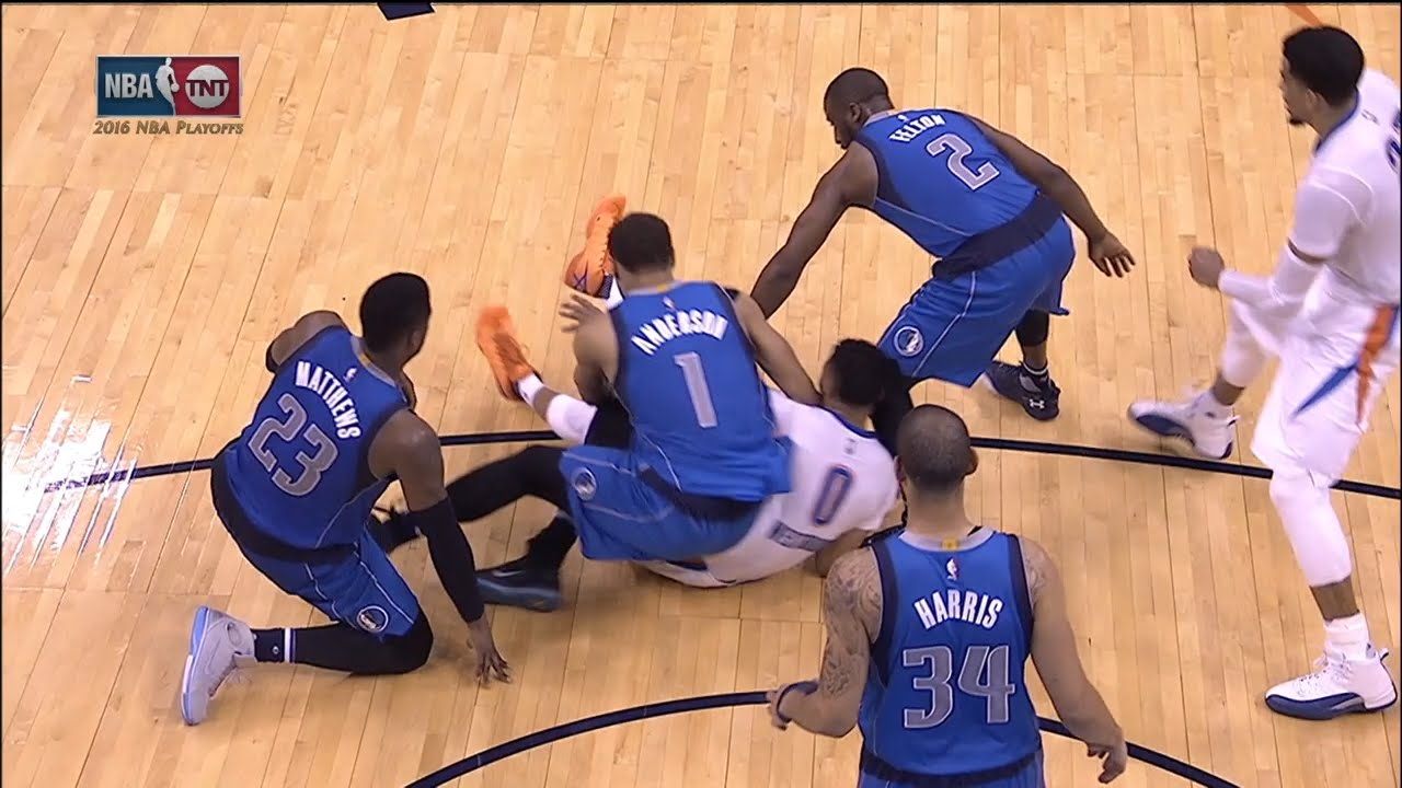 Justin Anderson elbows Russell Westbrook in the head