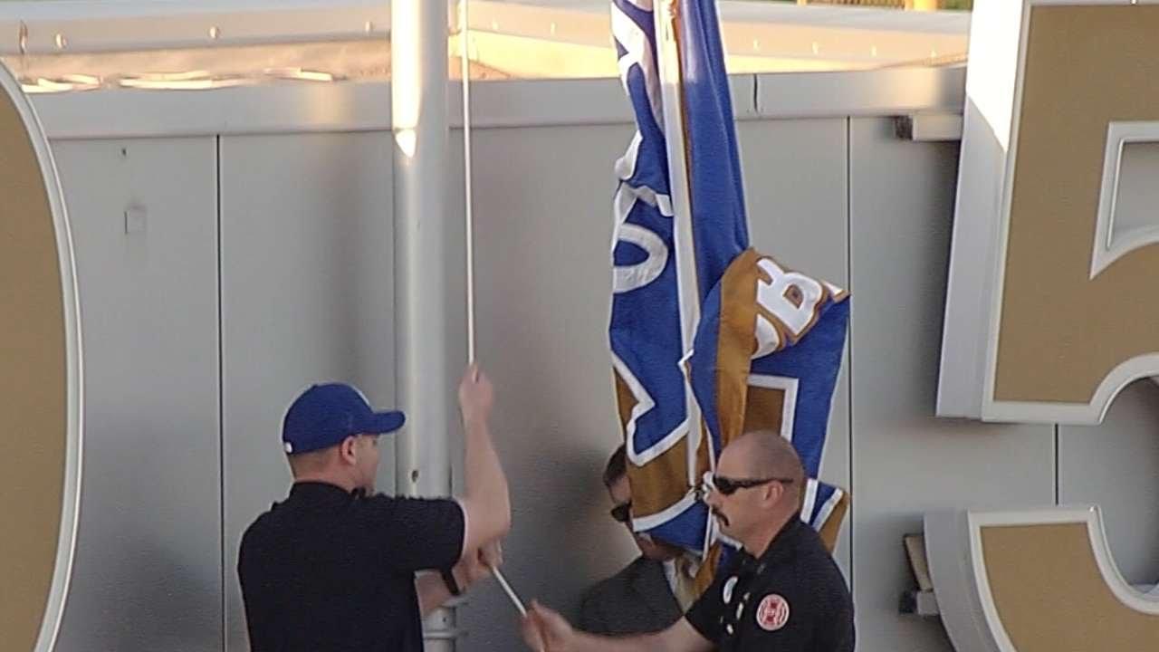 Kansas City Royals raise 2015 championship banner