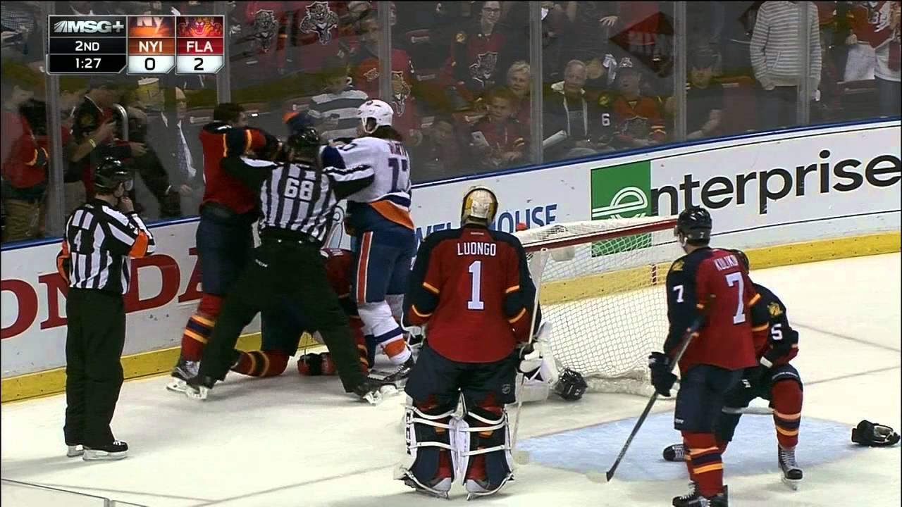 Line scrum breaks out in Panthers vs. Islanders Game 2