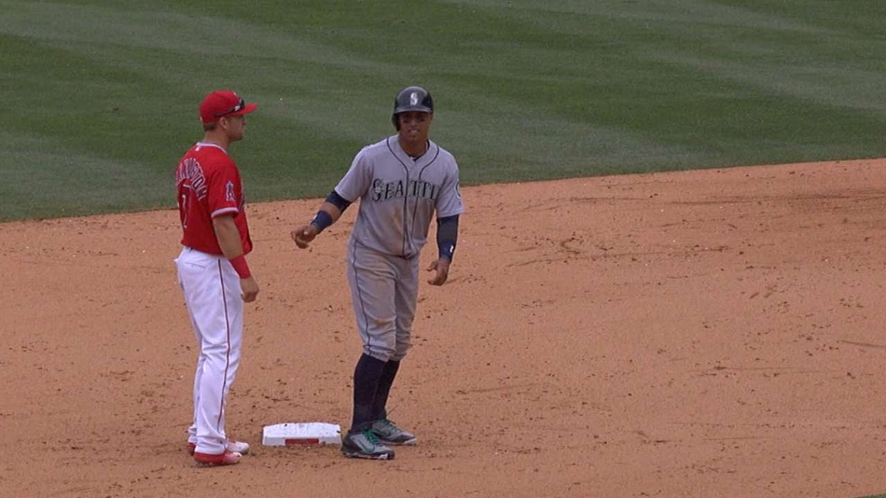 Mike Trout & the Angels turn the double play by trickery