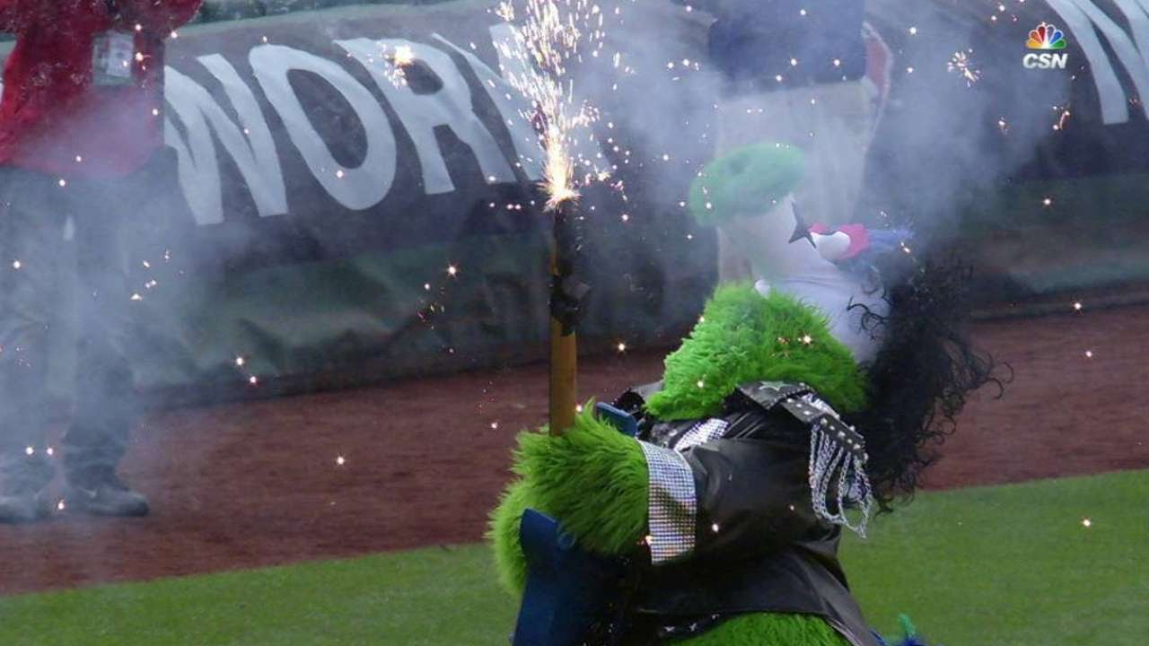 Phillie Phanatic is stunting with his new guitar
