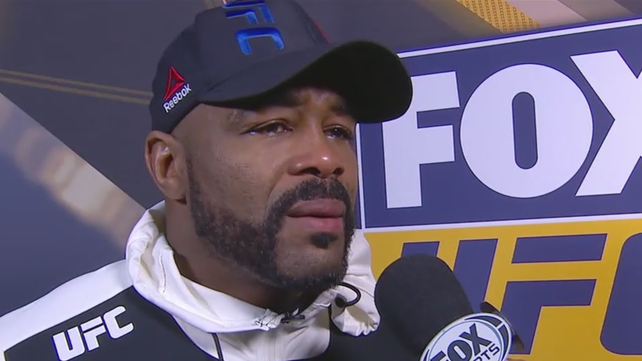 Rashad Evans emotional & lost after losing to Glover Teixeira